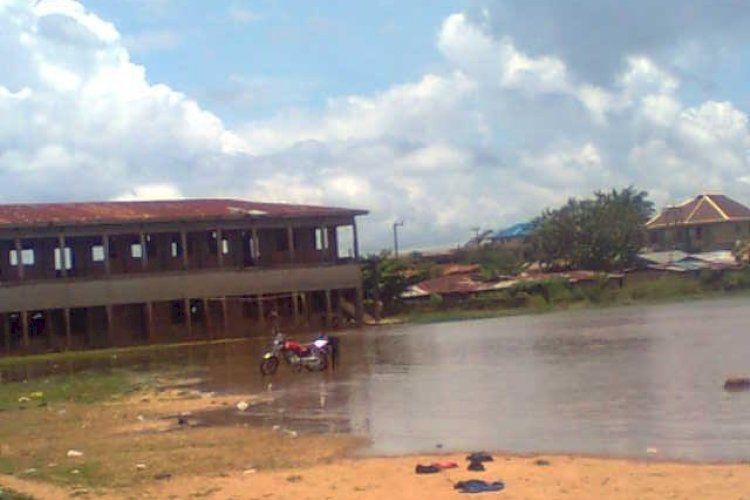 Community Secondary School Umuoba Anam, Otuocha under flood 2012