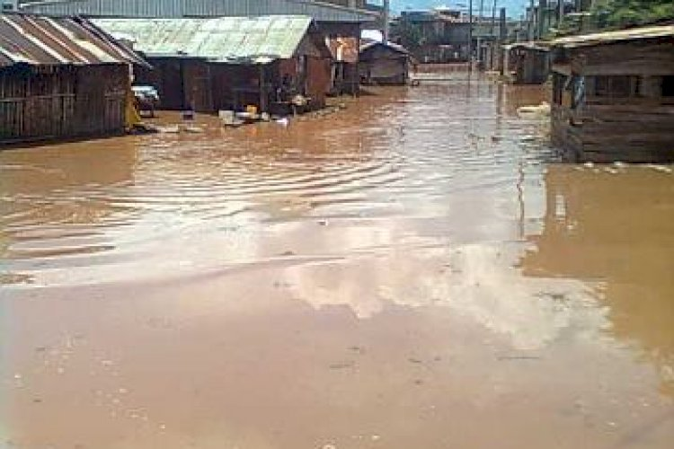 Eke market in Umueze Anam covered by flood in 2012